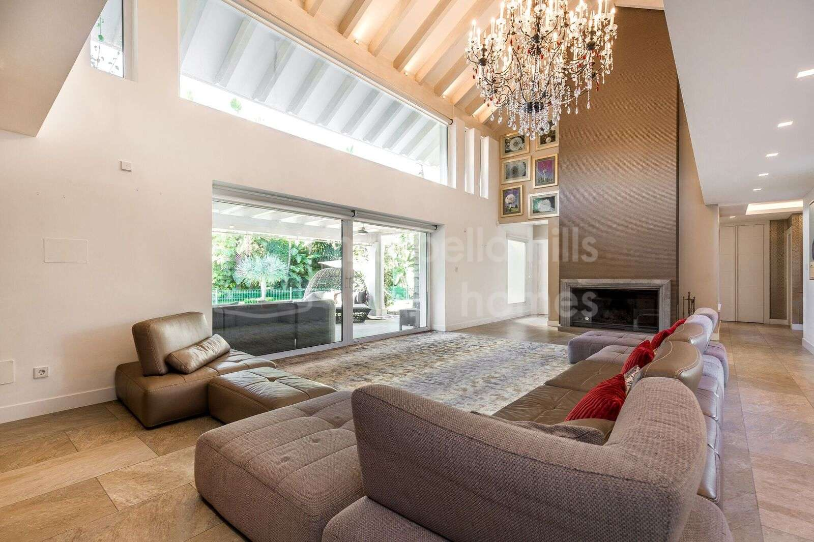 Bonita Villa De 5 Dormitorios Lado Playa En Bahia De Marbella # Muebles Lado Cee