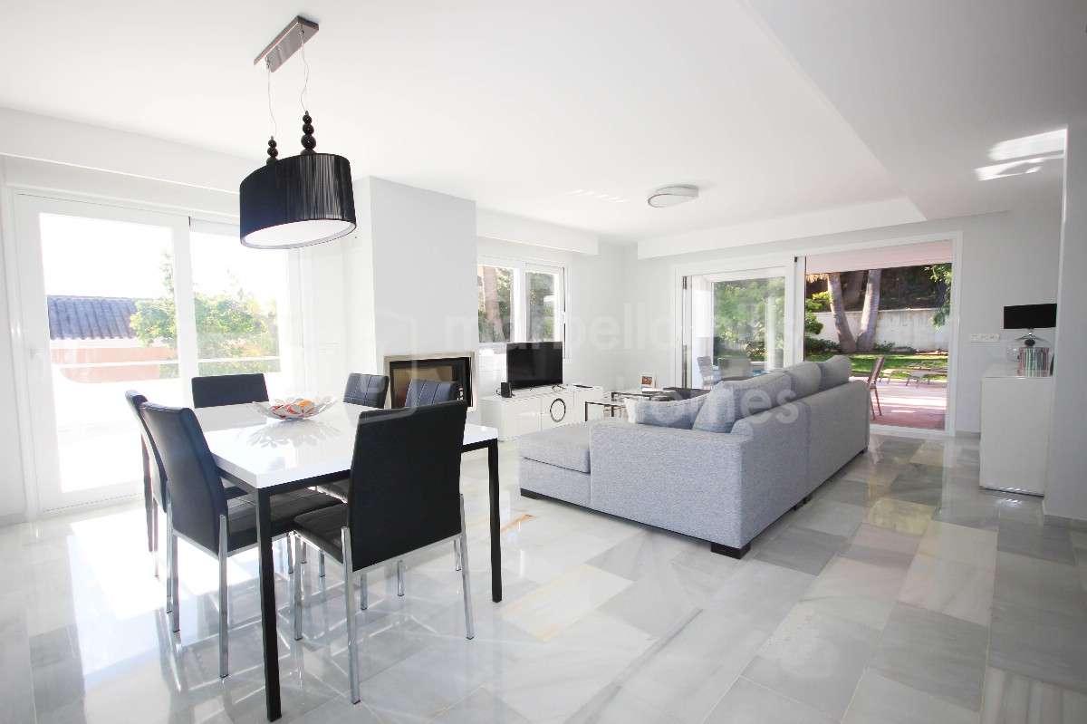 Modern refurbished 4 bedroom Villa in Los Naranjos Hill Club - Nueva ...