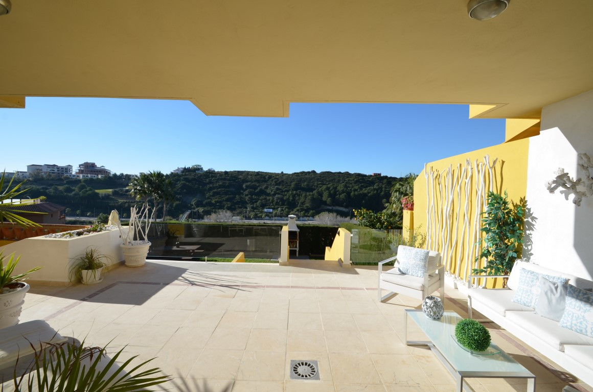 Ground Floor Apartment for sale in Casares Playa, Casares