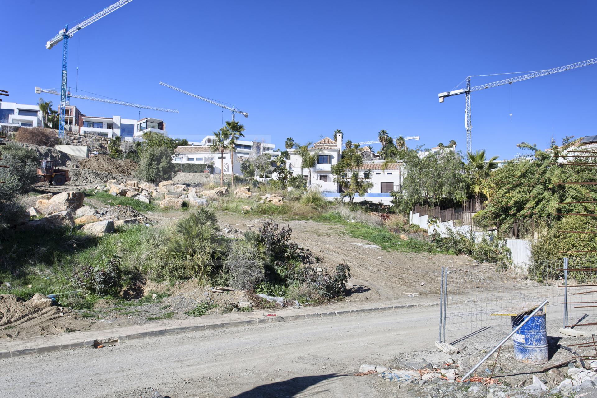 Plot La Alqueria, Benahavis - NEWPL6430