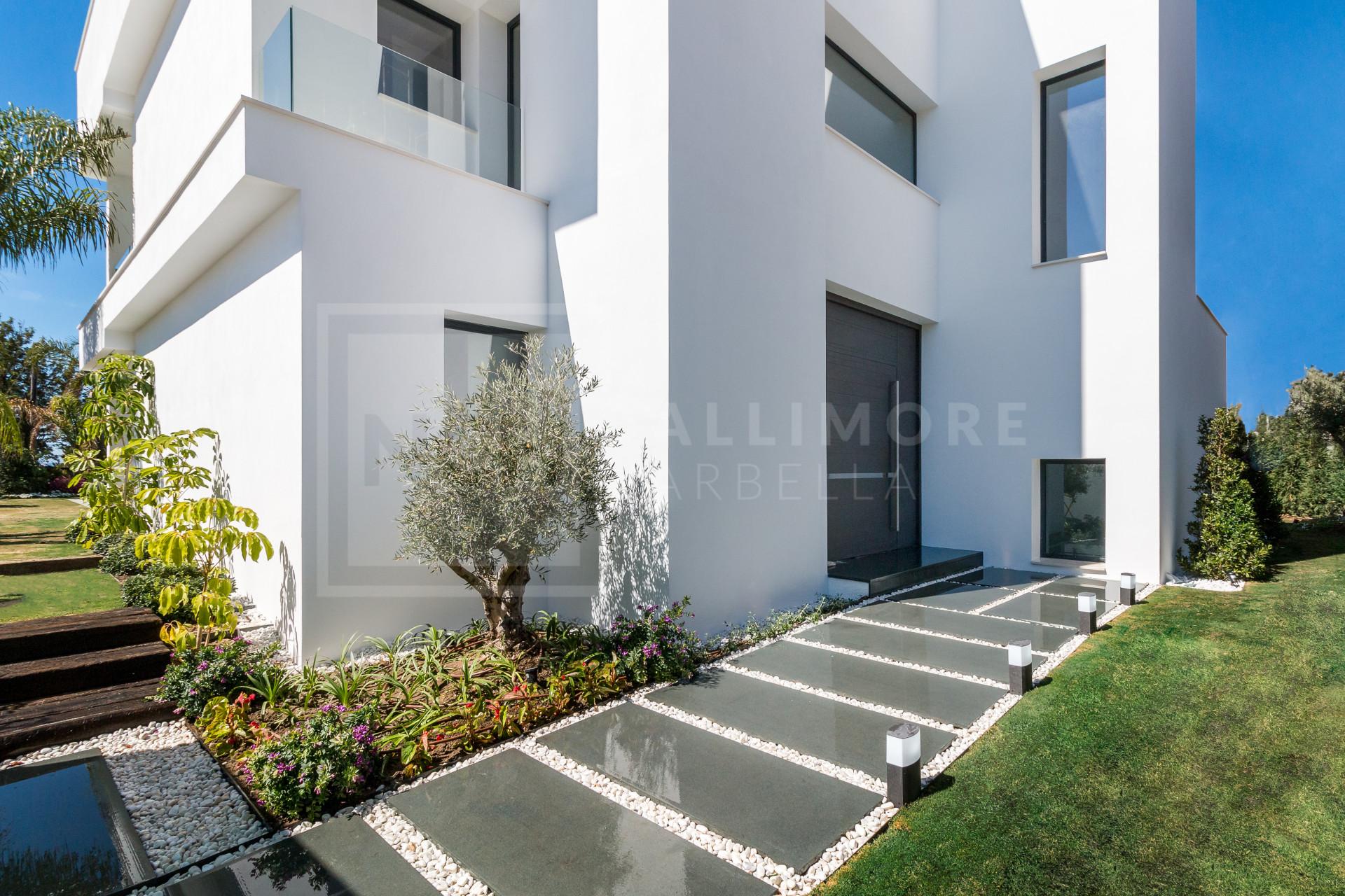 Villa , Nueva Andalucia - NEWV6429
