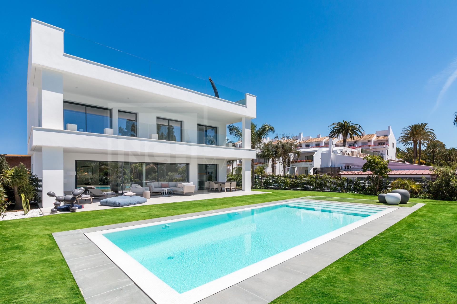 Villa , Nueva Andalucia – NEWV6429