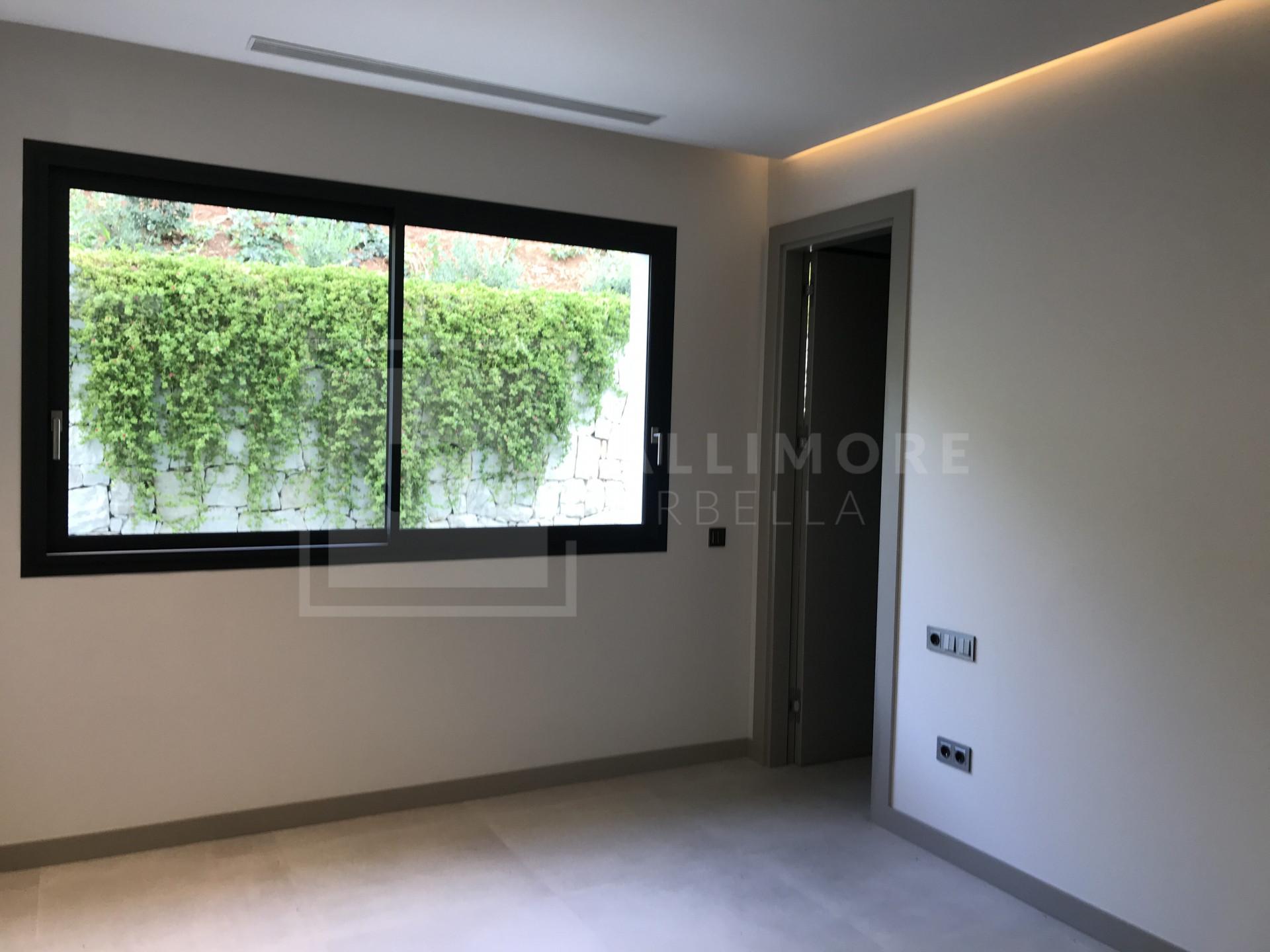 Villa , Nueva Andalucia - NEWV6680