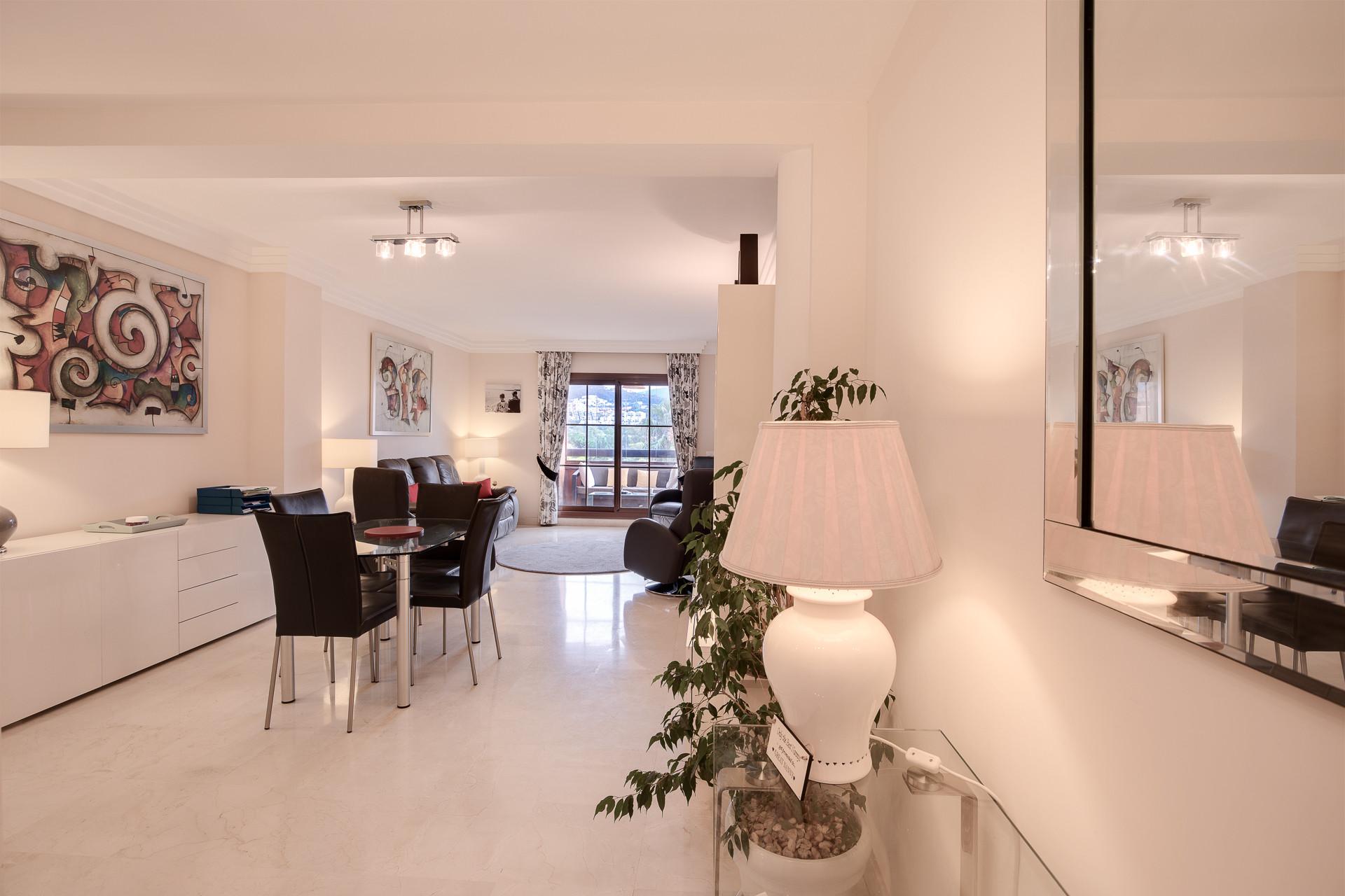 Apartment For Sale in Benahavis (Gazules del Sol)