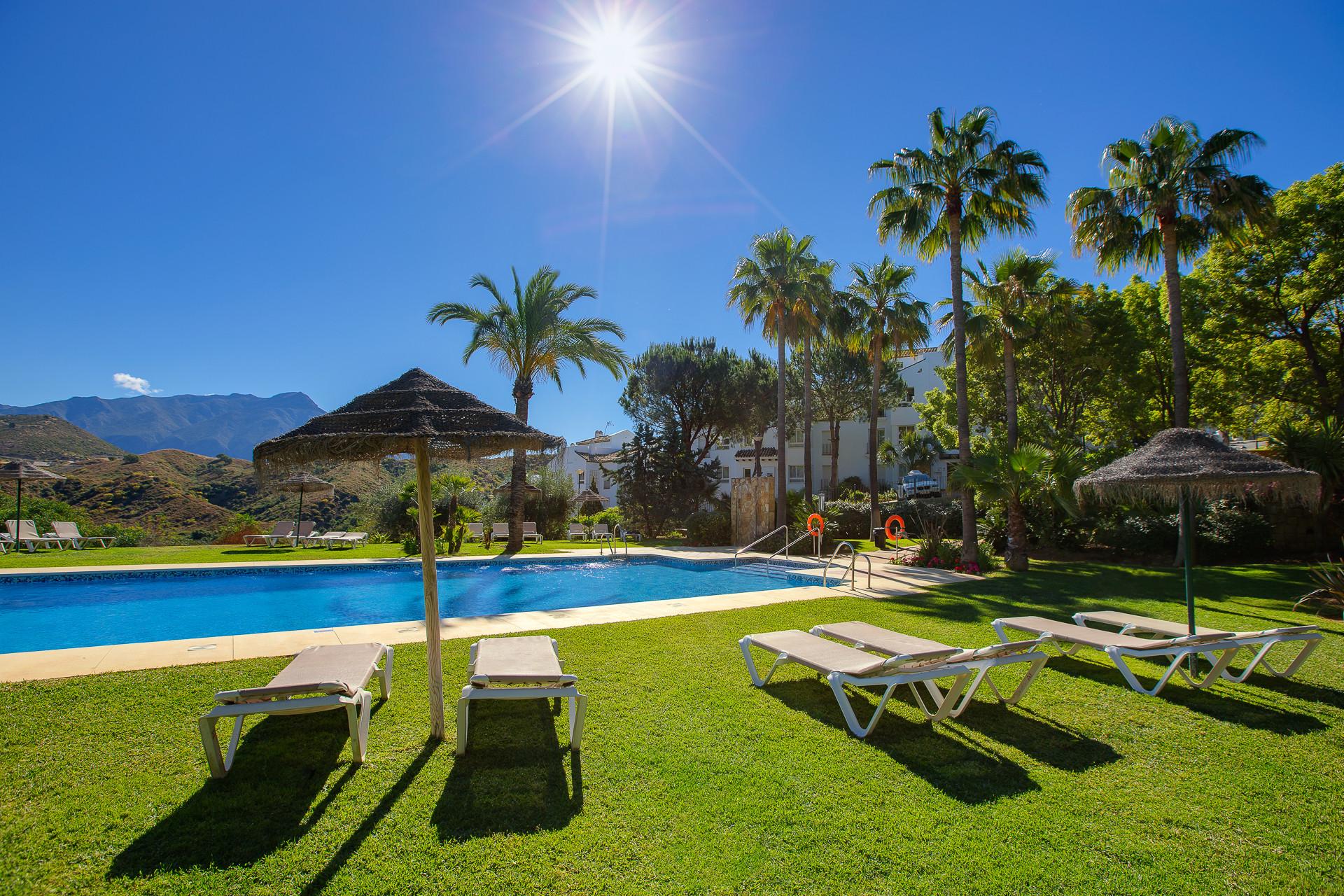 Apartment For Sale in Benahavis (Altos de La Quinta)