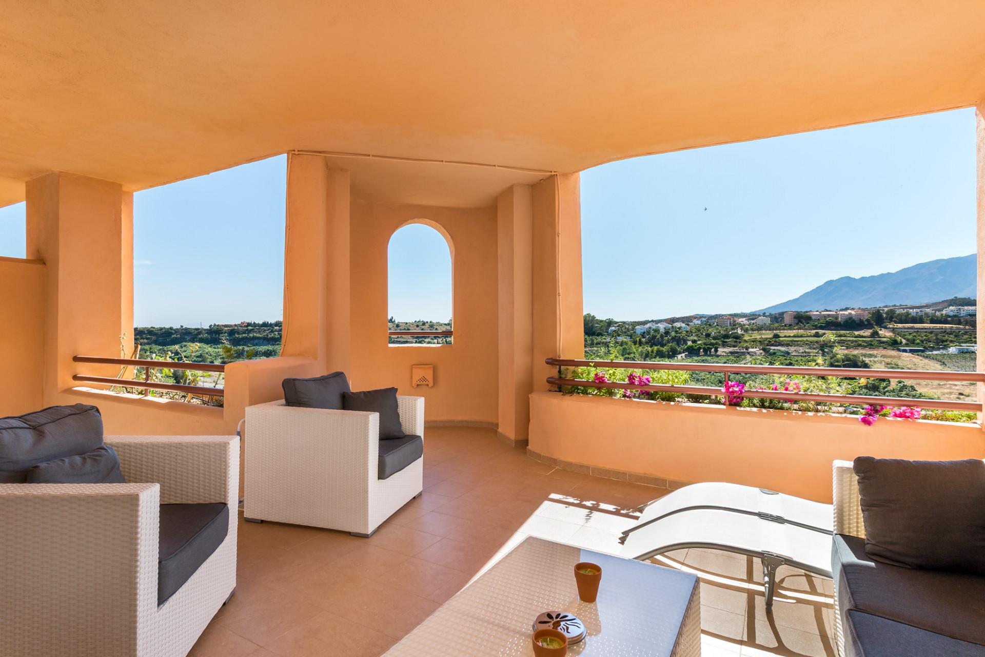 Apartment For Sale in Estepona (Cancelada)