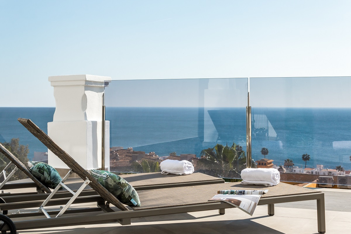 Bargain beach apartments and penthouses in La Paloma – Manilva