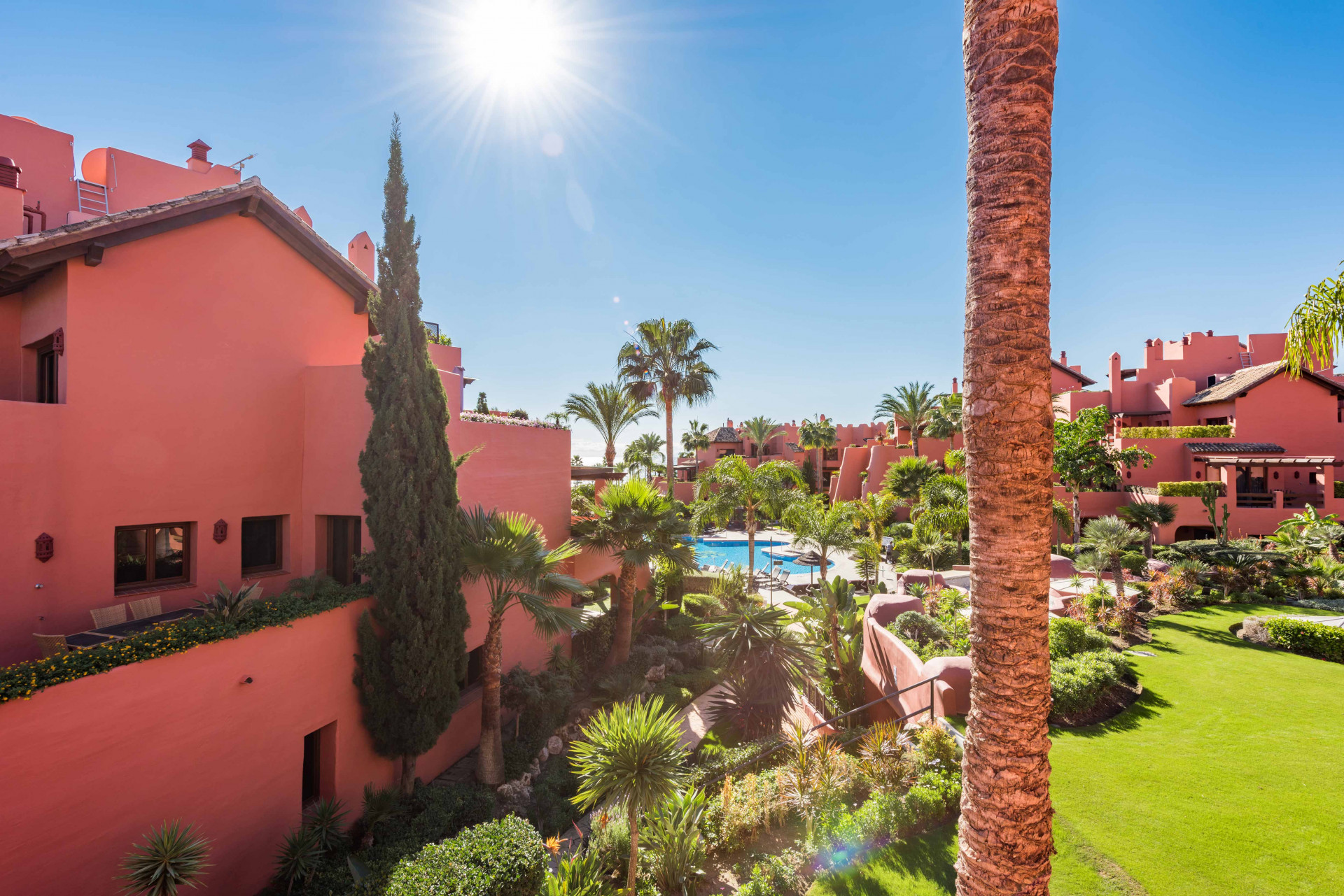 Duplex Penthouse for sale in Guadalmansa, Estepona
