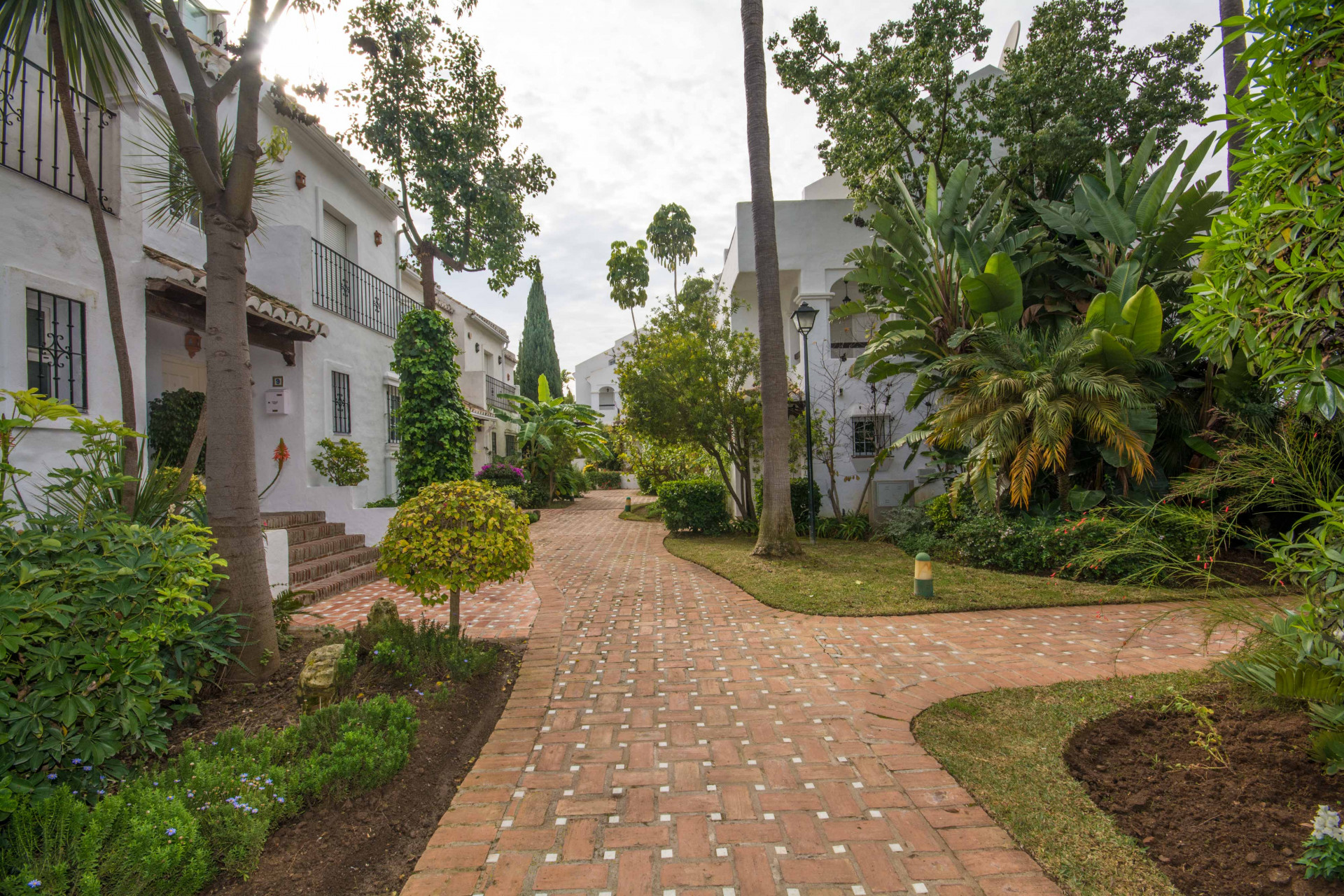 Cozy townhouse for sale on the Golden Mile in Marbella