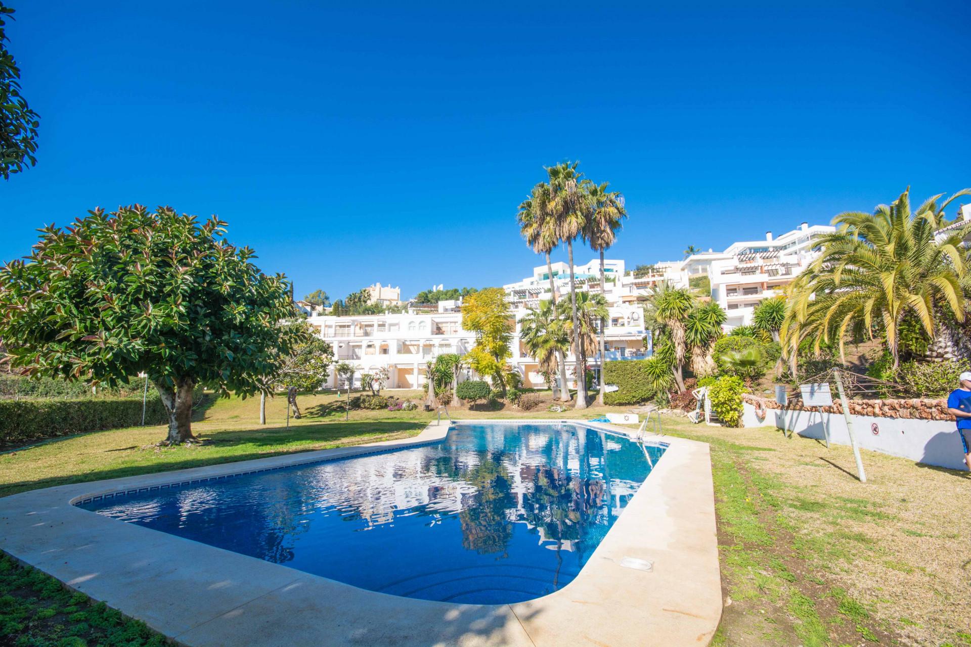 Duplex penthouse for sale in La Quinta Benahavis