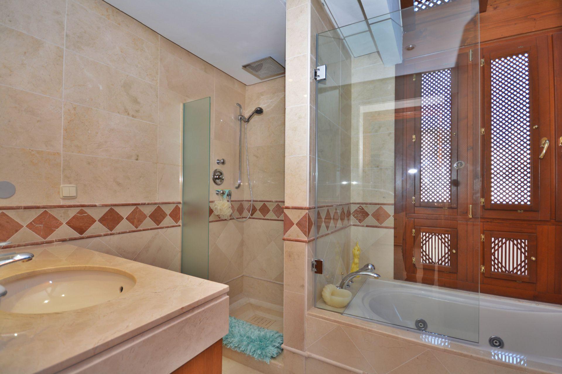 Duplex Penthouse for sale in Bahía del Velerín, Estepona