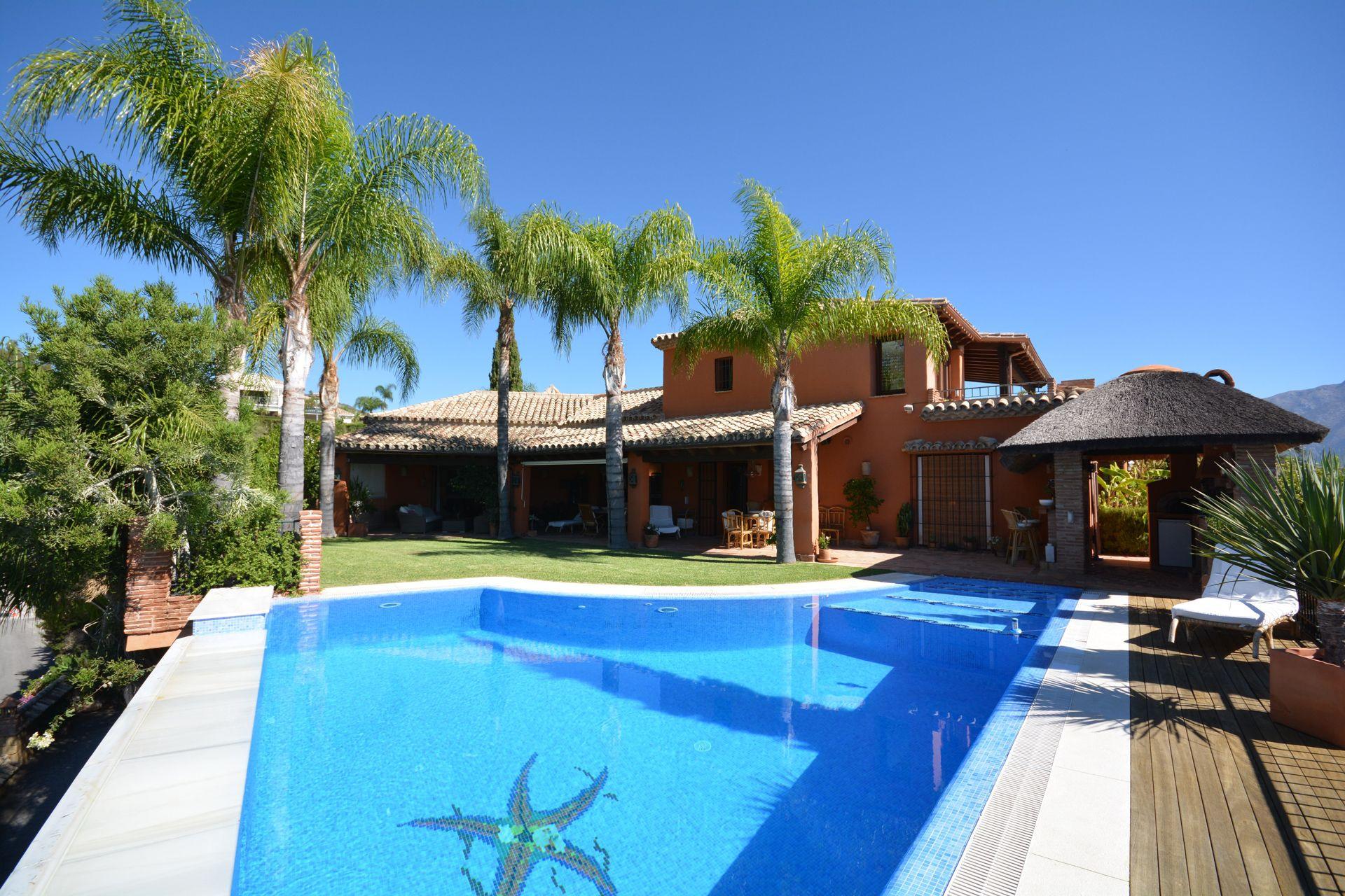 Rustic villa to buy in Nueva Andalucia – Benahavis - Marbella