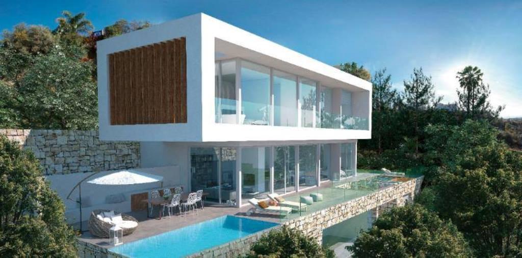 Modern villa for sale in El Rosario – Marbella East