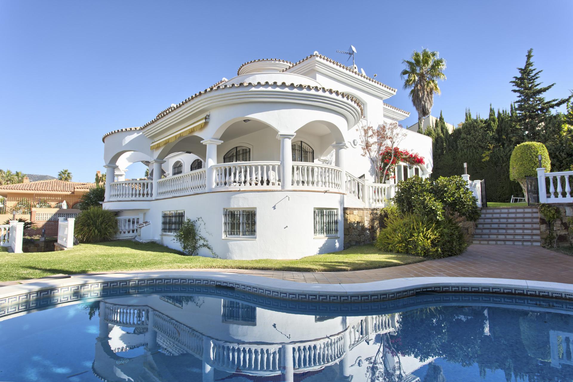 Villa for sale in Torrequebrada – Benalmádena
