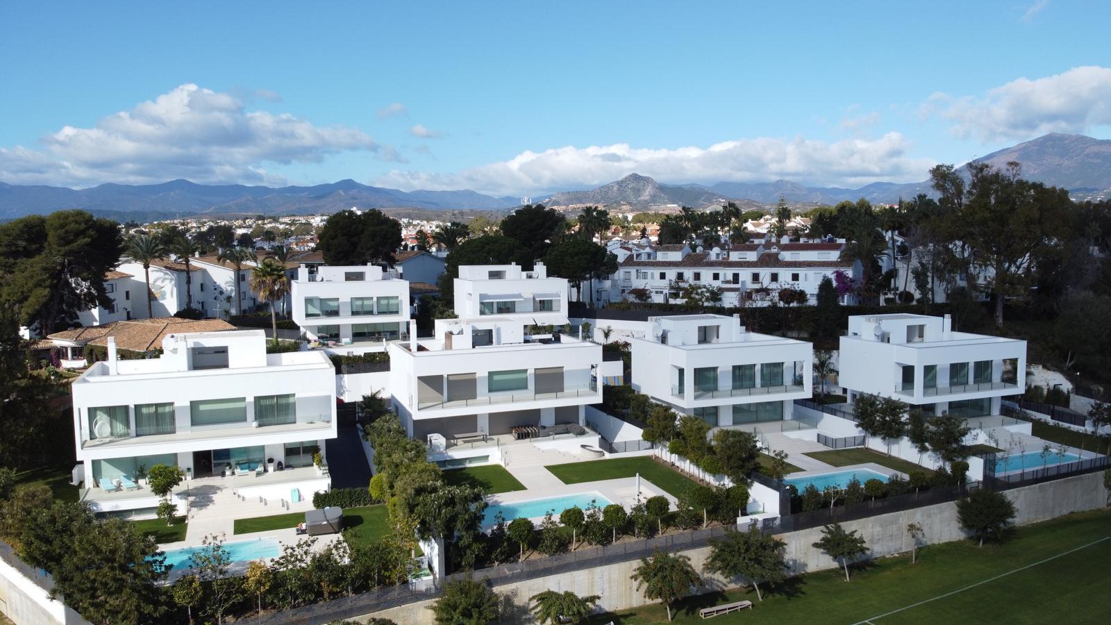 Nieuw project van moderne villa's te koop in Guadalmina Baja - Casasola - Marbella