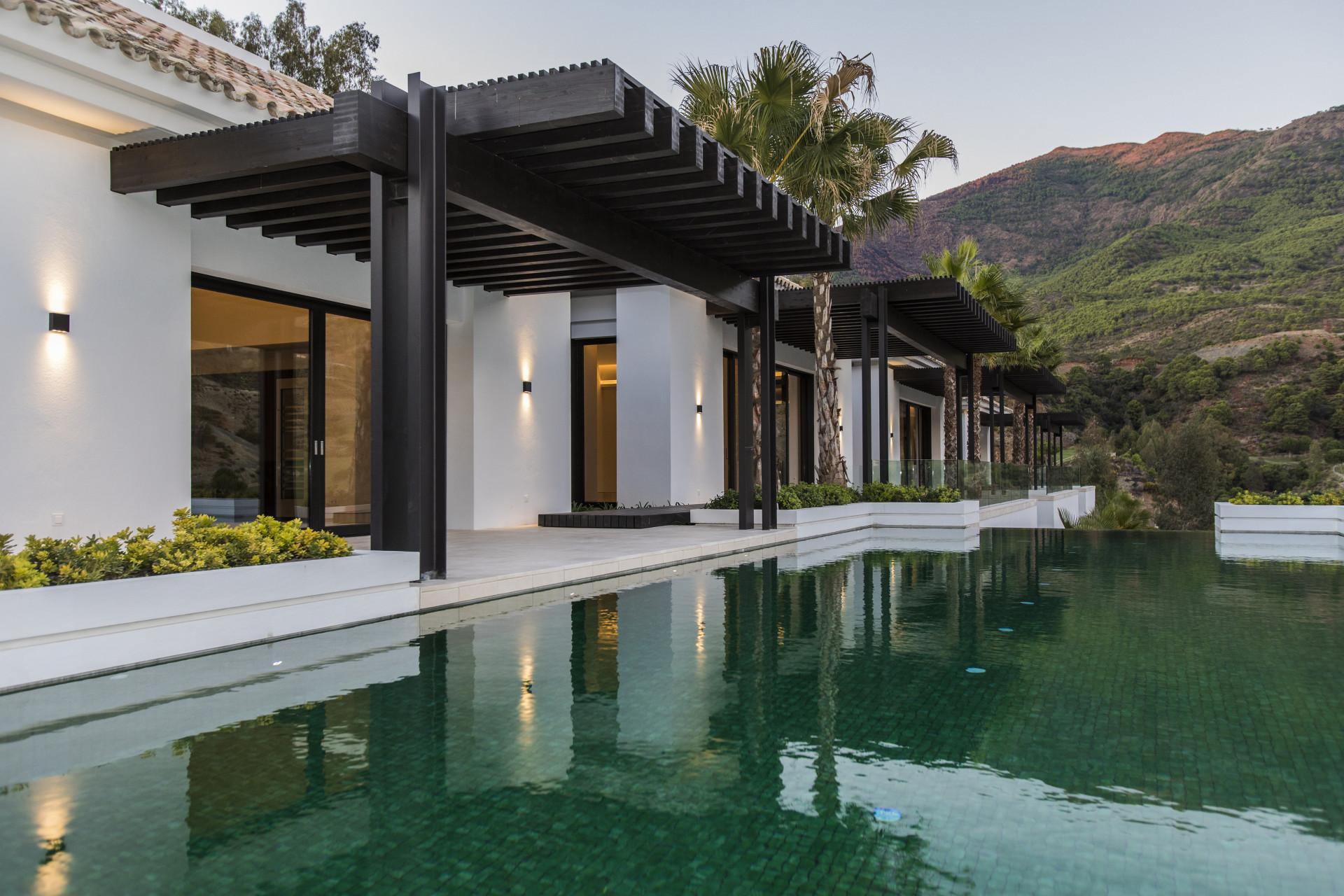 Exclusive luxurious mansion for sale in La Zagaleta - Benahavis
