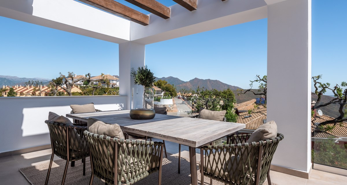 Brand New Luxury Semi Detached Homes And Townhouses For Sale Perched Above Beautiful Marbella
