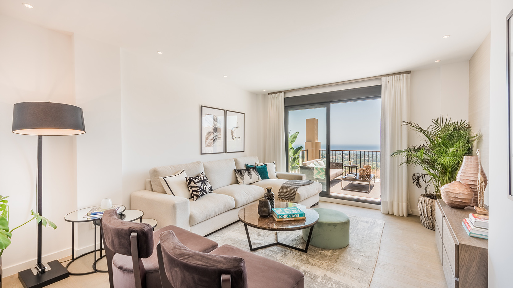 Modern apartments for sale in the heart of Estepona