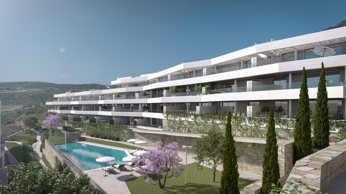 Modern designed apartments and penthouses by the golf course in Valle Romano, Estepona