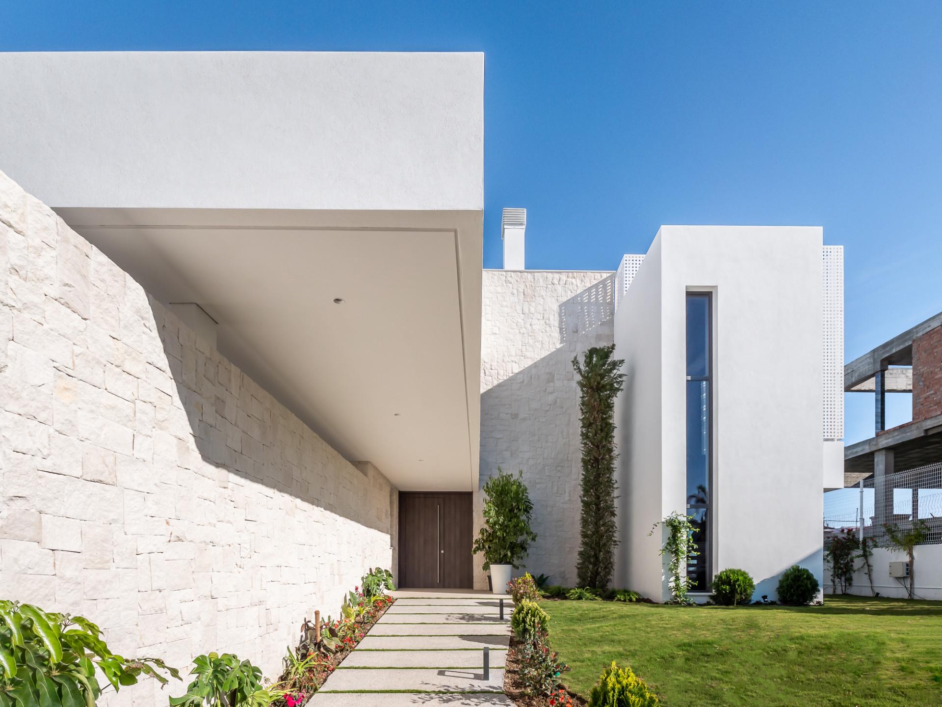 Casa en venta en Antik Villas, Estepona