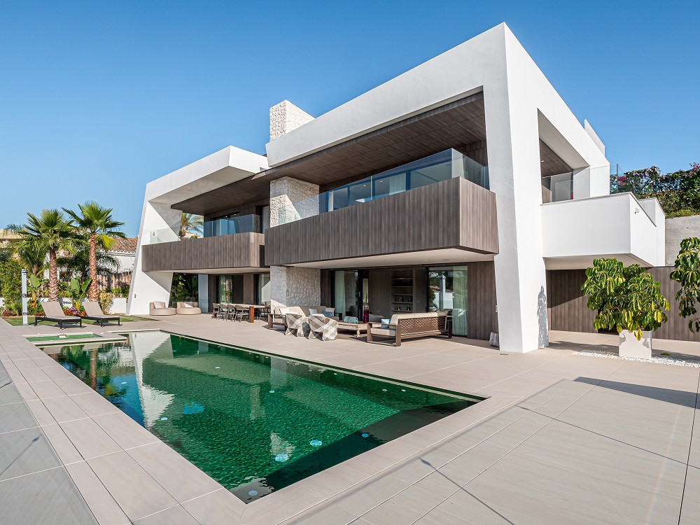 NEW LUXURY MODERN VILLA IN MARBELLA