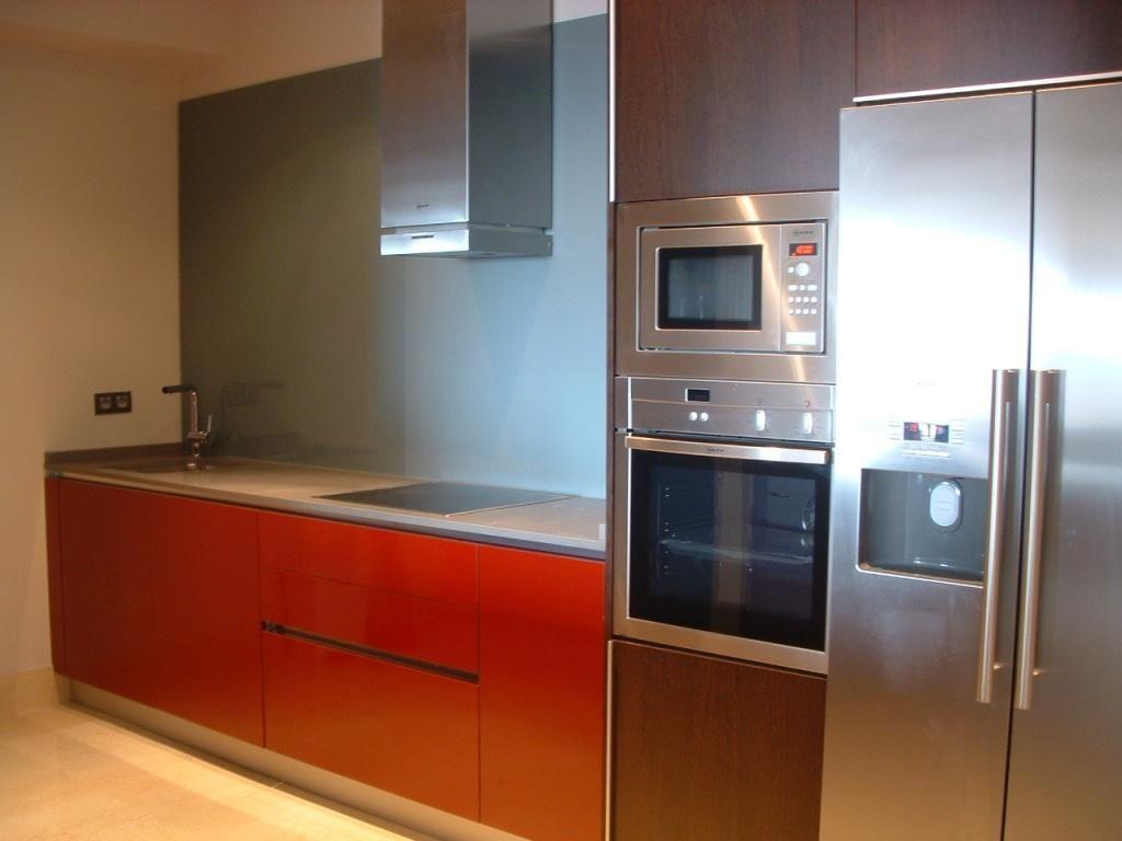 Fantastico apartamento de 2 dormitorios con vistas al mar y al golf en urbanización de lujo en zona de Los Arqueros