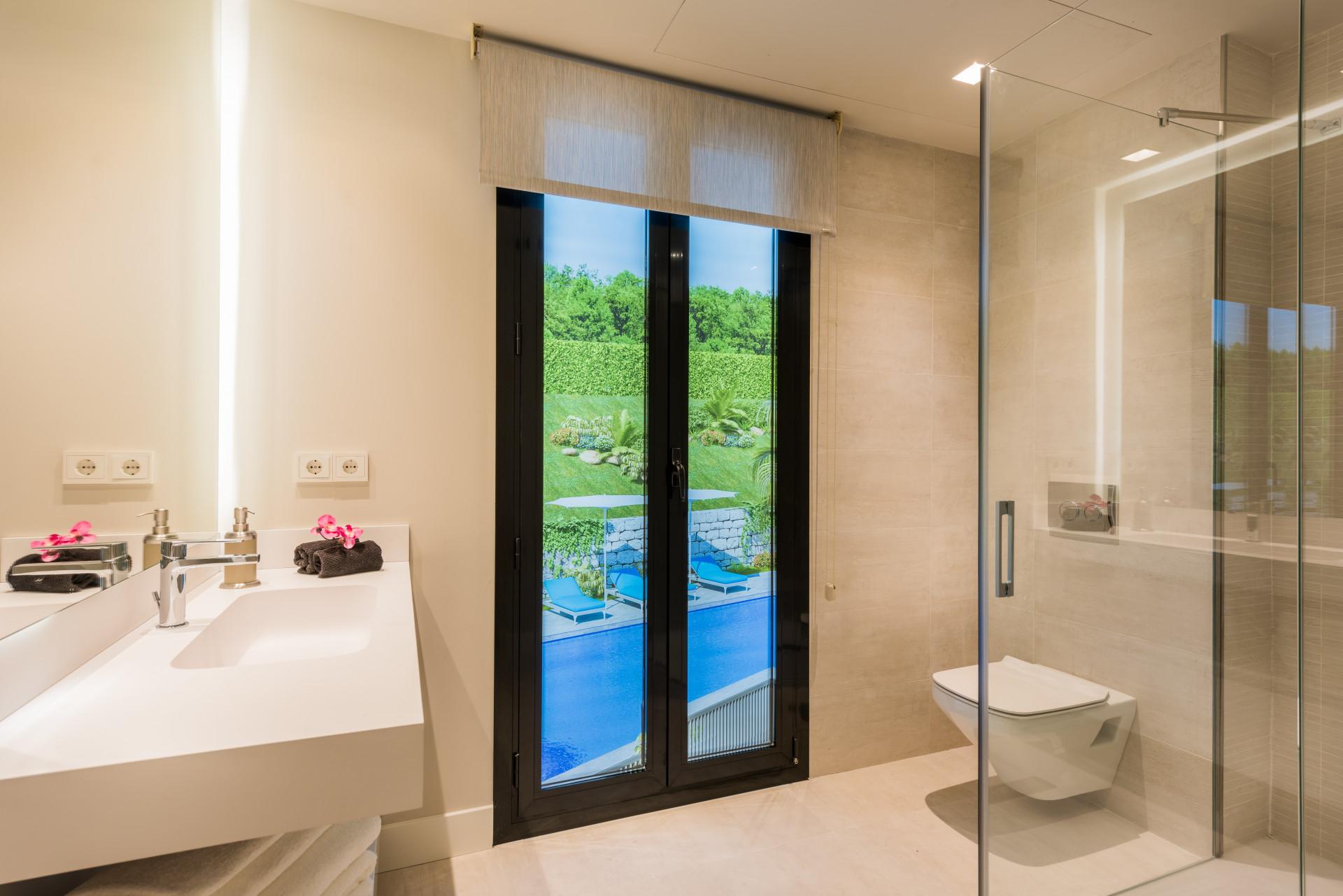 Apartamento de lujo de 3 dormitorios con vistas al Mar en Golf Valley de Nueva Andalucia