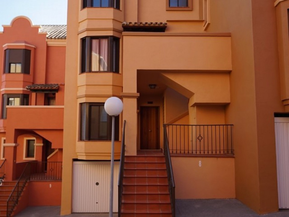 Brand new ground floor apartment in La Duquesa, 2 minutes walk to the beach