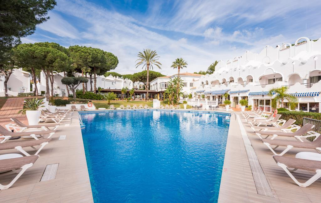 Spacious apartment for sale in Marbella east set within a luxury hotel resort