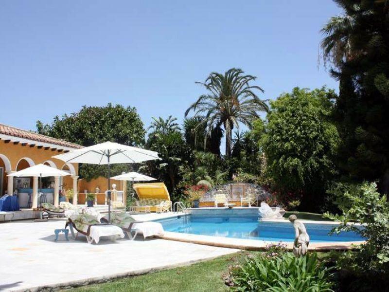 Villa for sale in Guadalmina Baja, San Pedro de Alcantara