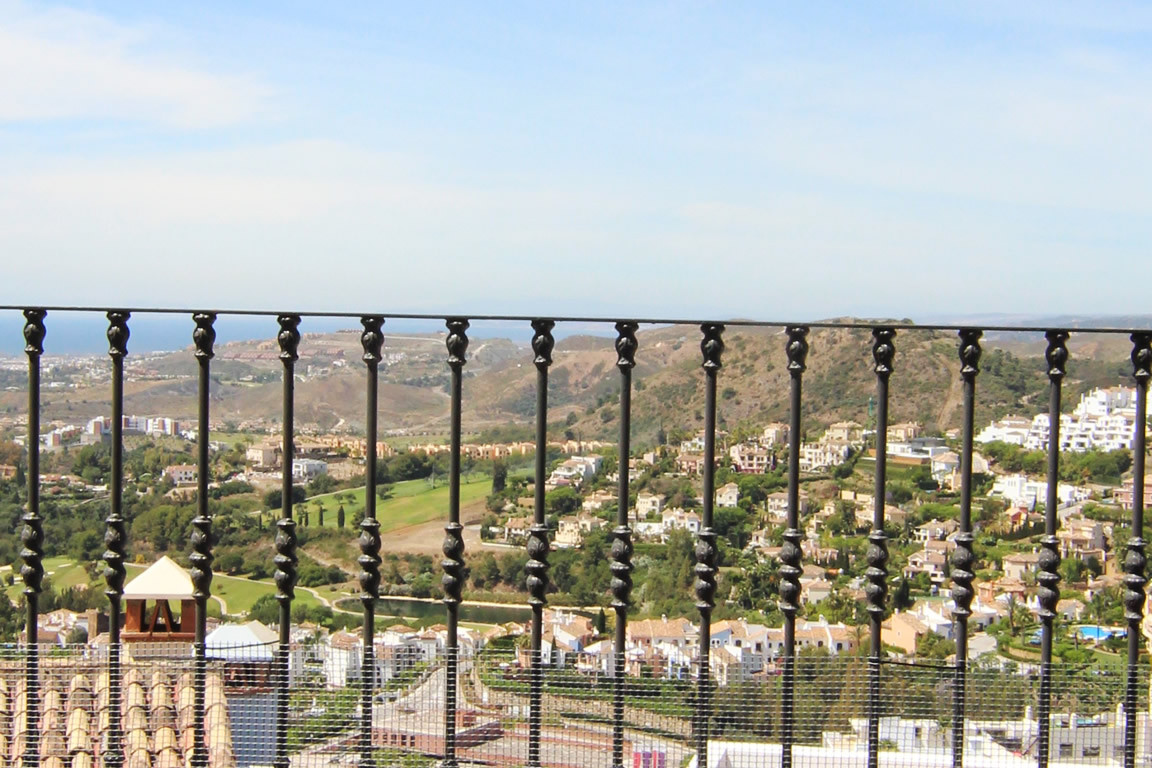 Town House for sale in La Heredia, Benahavis