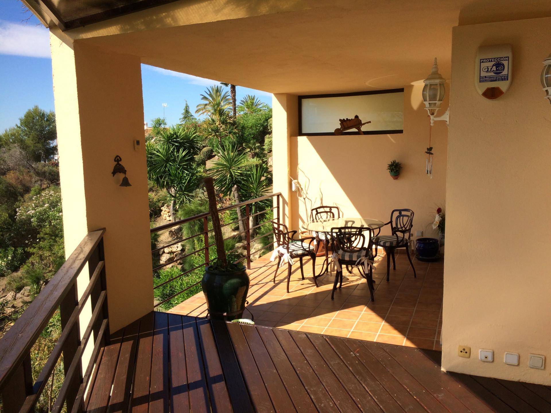 Apartment for sale in Los Arqueros, Benahavis