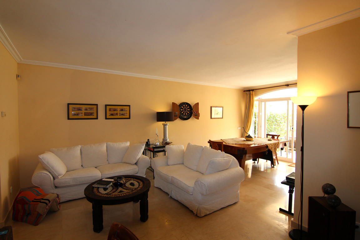 Ground Floor Apartment for sale in La Quinta, Benahavis