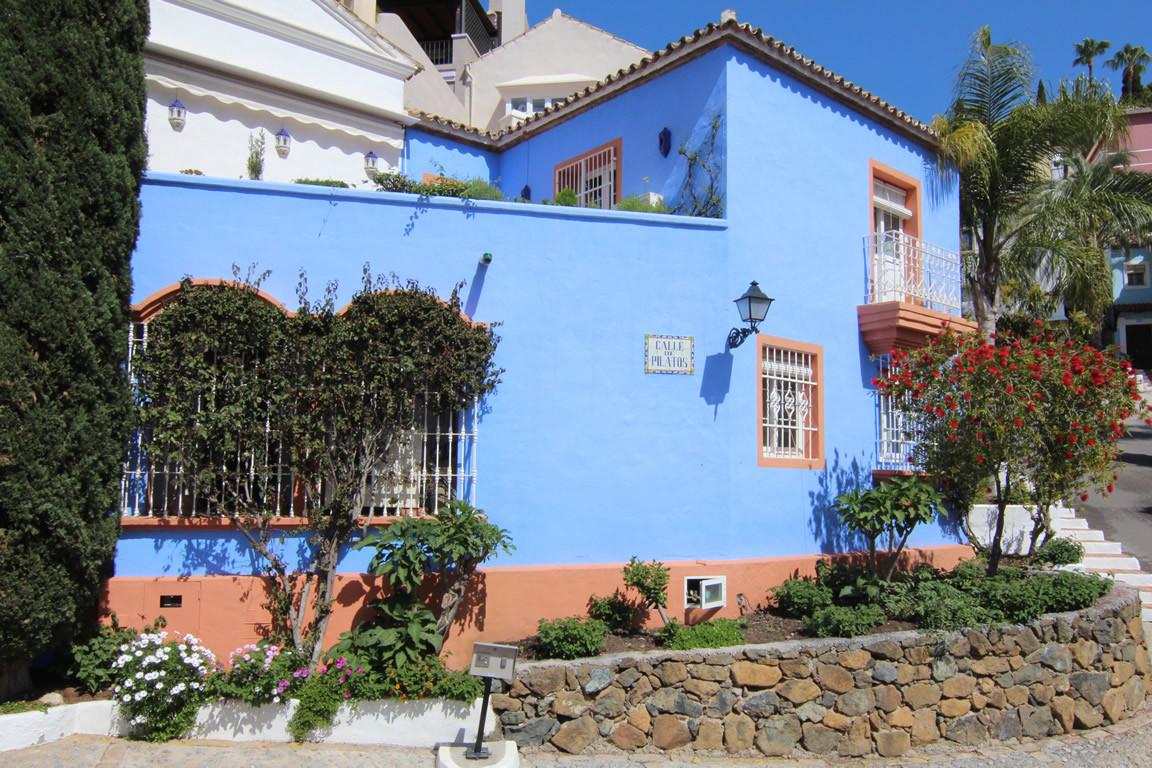 Town House for sale in La Heredia, Benahavis