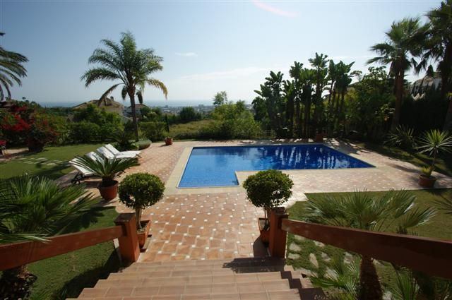 Villa  in  Los Flamingos, Benahavis