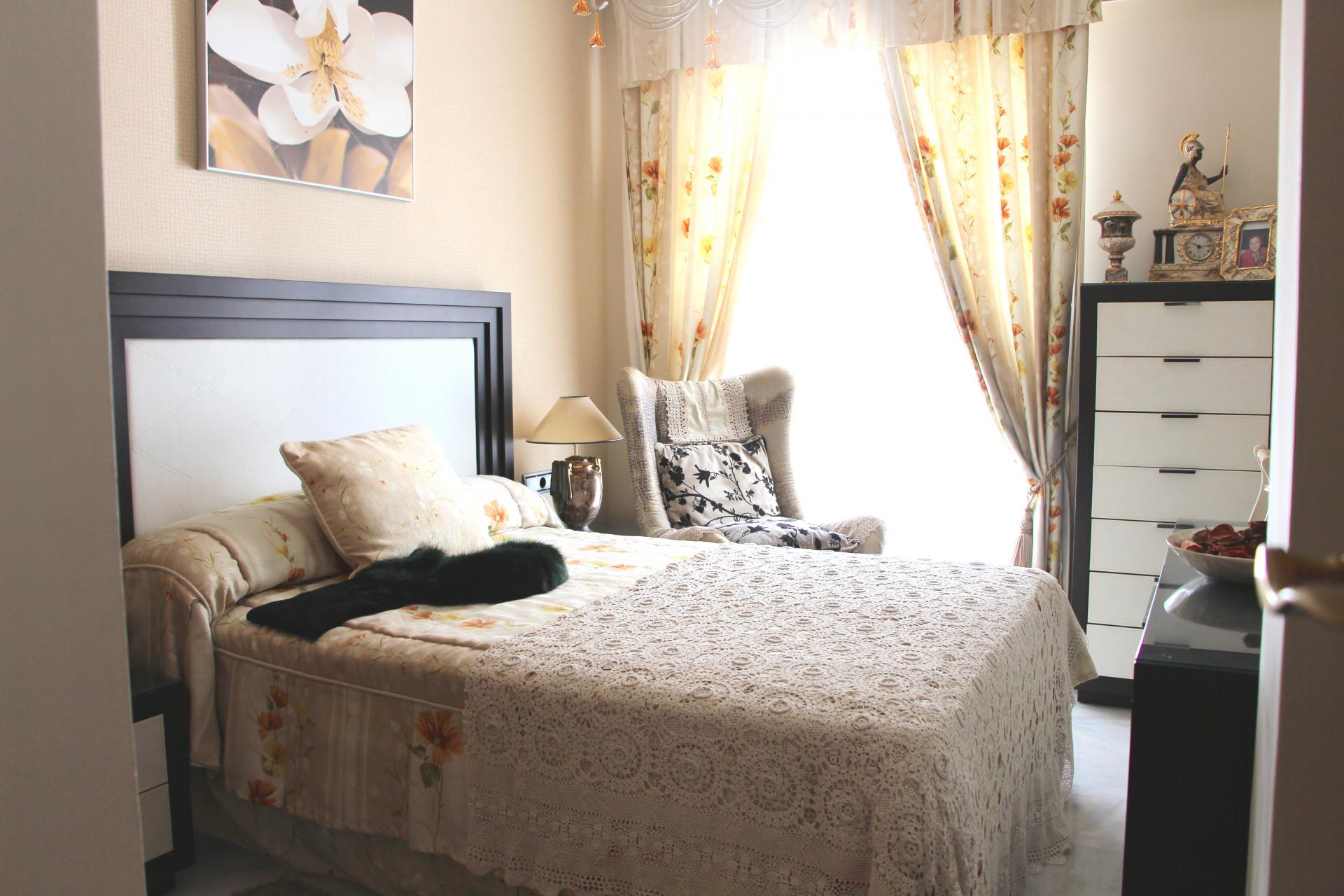 Apartment for sale in La Zambomba with sea views Marbella Center