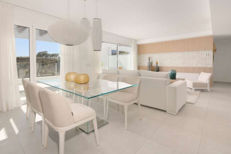 Triplex  for sale in  Los Altos de los Monteros, Marbella East