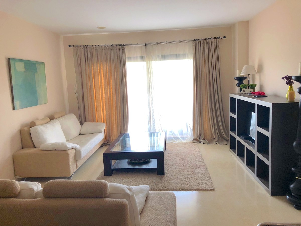 Apartment  in  Los Capanes del Golf, Benahavis