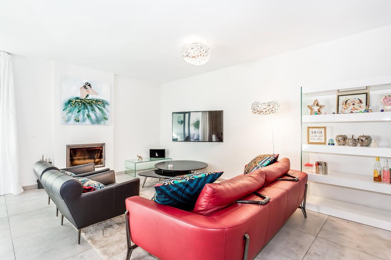 Apartamento en venta en Los Naranjos, Nueva Andalucia