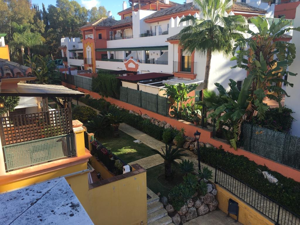 Atico Duplex en venta en Monte Biarritz, Estepona