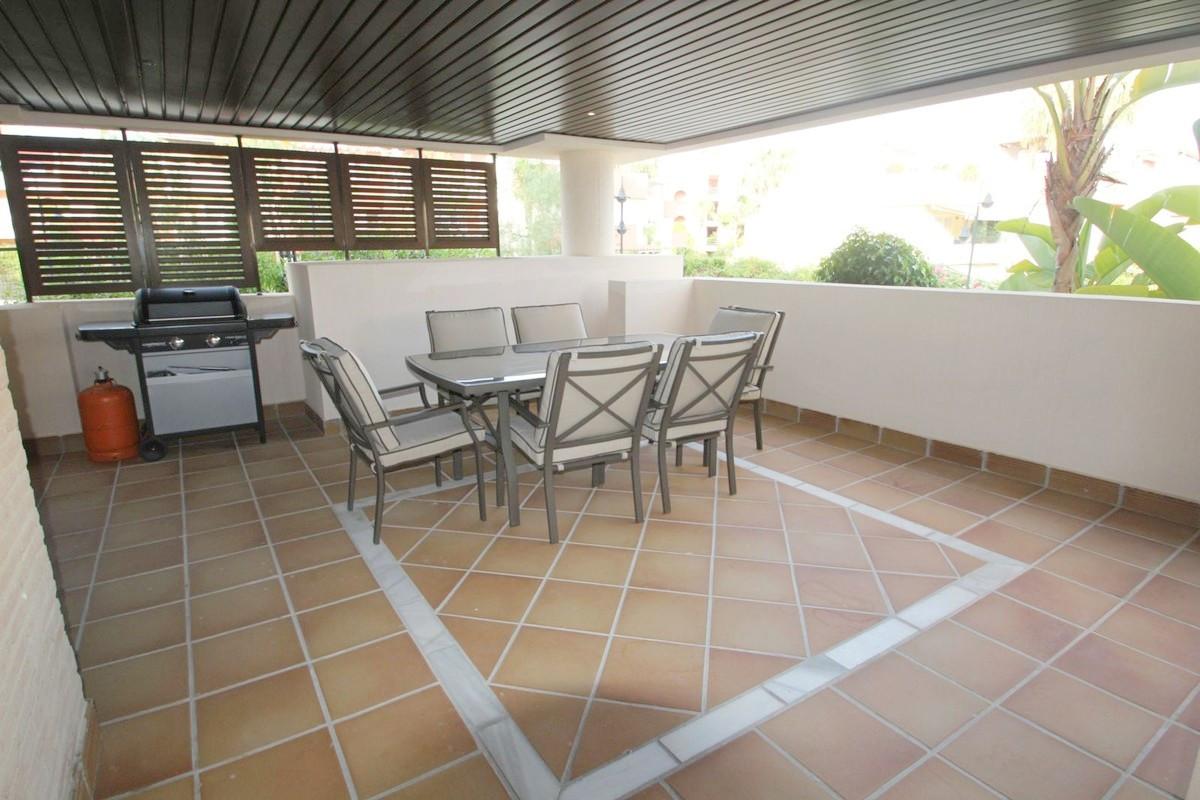 Apartamento Planta Baja en venta en Bahia de la Plata, Estepona