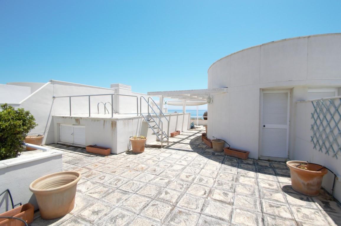Atico Duplex en venta en Los Granados Playa, Estepona