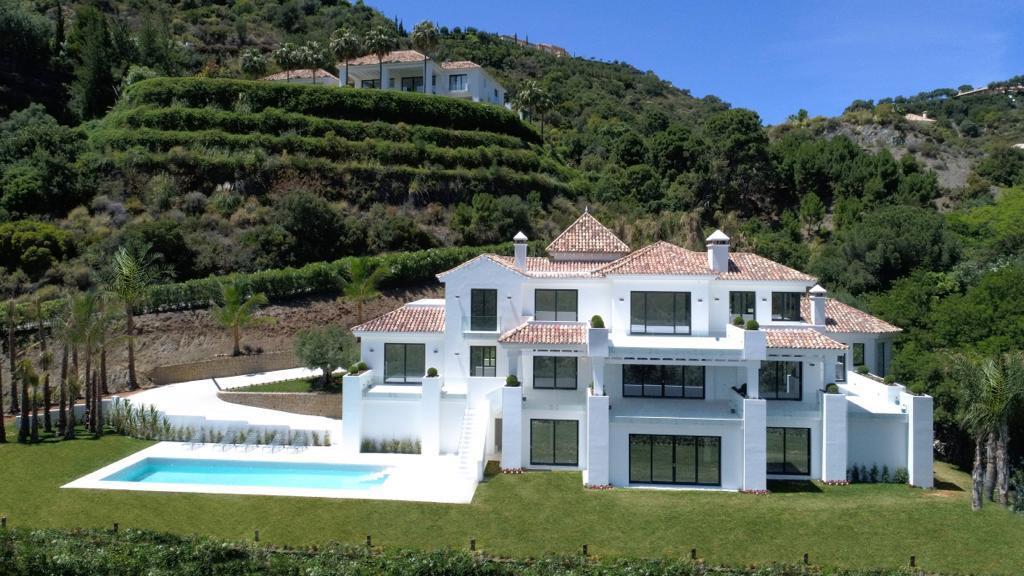 Villa zum Verkauf en La Zagaleta, Benahavis