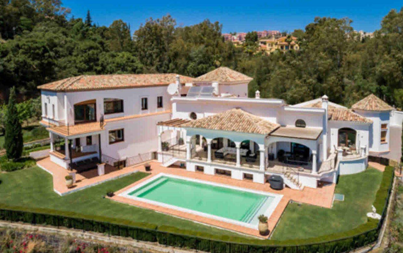 Villa à vendre à  El Herrojo, Benahavis
