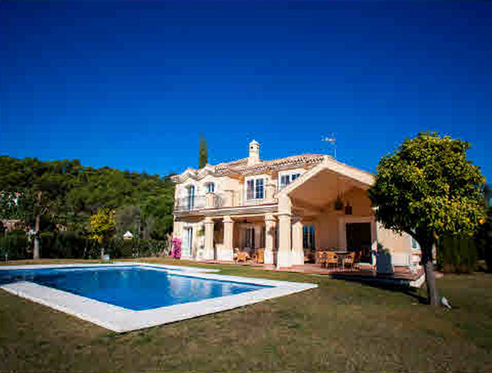Villa zum Verkauf en Marbella Club Golf Resort, Benahavis