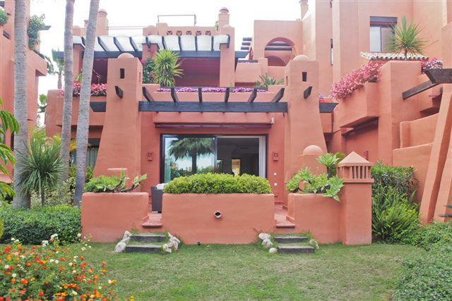 Ground Floor Apartment for sale in Nueva Andalucia, La Alzambra