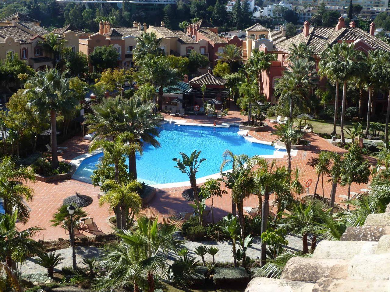 Duplex Penthouse for sale in Nueva Andalucia, La Alzambra