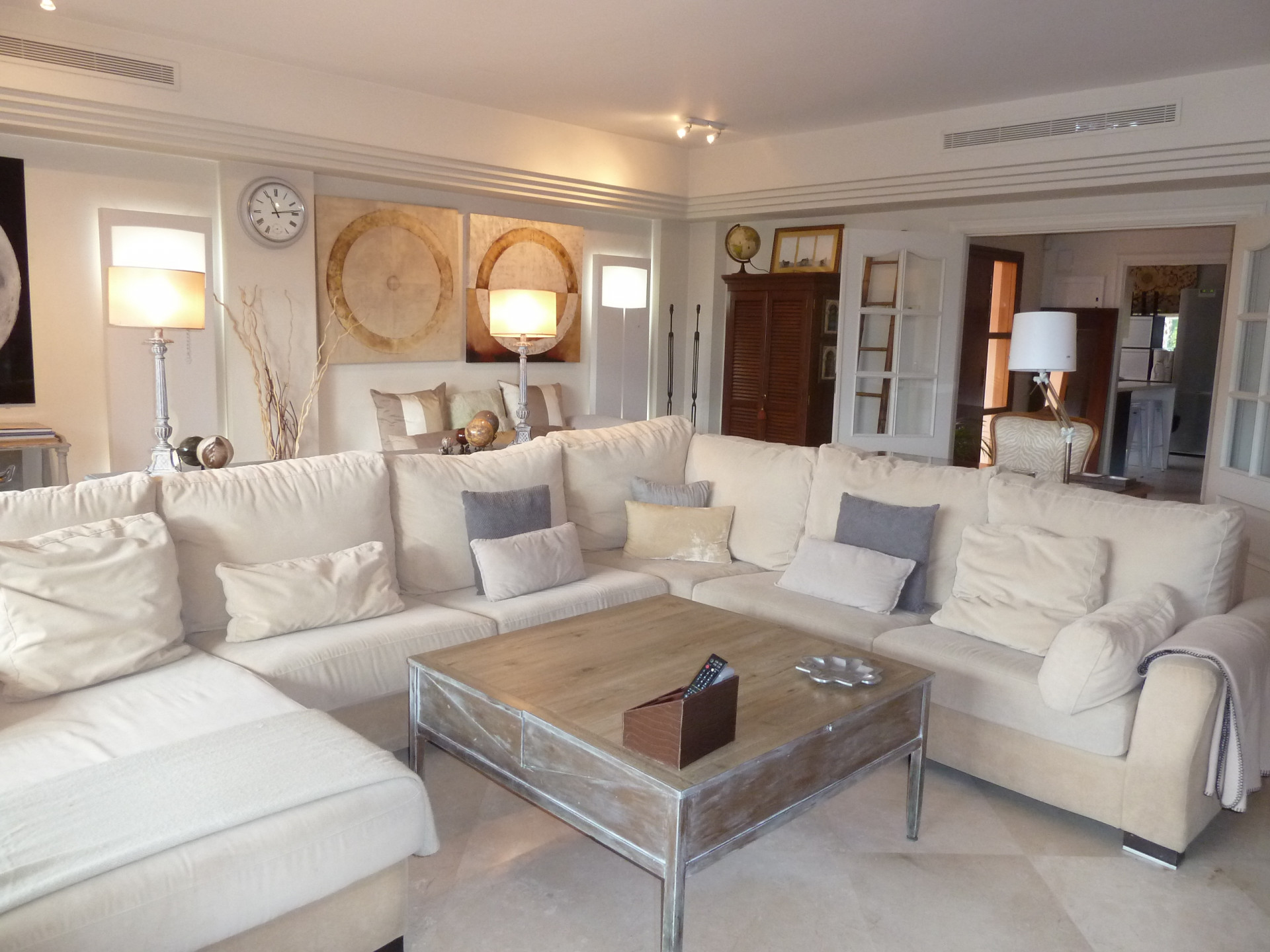 Villa Pareada en venta en Marbella Golden Mile, Altos de Puente Romano