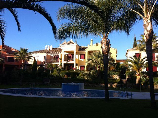 Town House for sale in Nueva Andalucia, Jardines de las Lomas