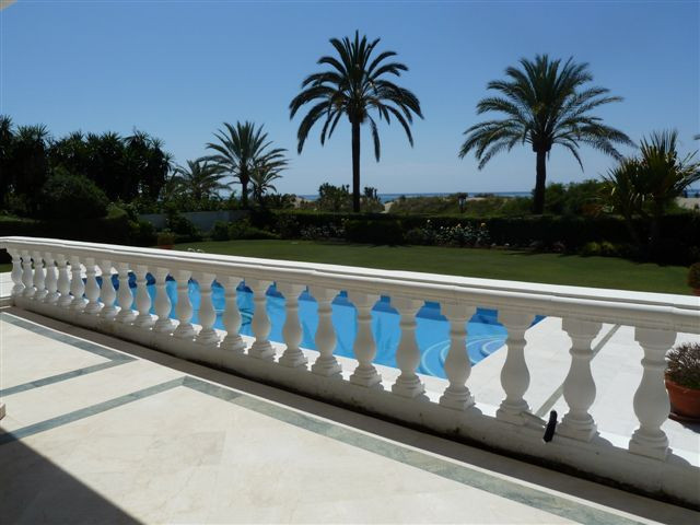 Villa for sale in Los Monteros, Marbella East